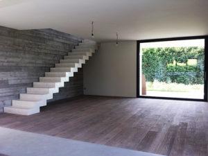 Ecco l'interno di una casa in legno