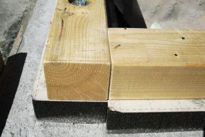 Attacco a terra delle pareti in legno