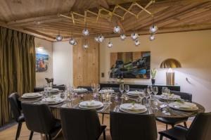 chesa-el-toula-st-moritz-dining-room-service