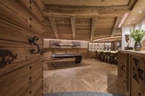 chesa-el-toula-st-moritz-games-room-bar
