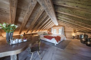 chesa-el-toula-st-moritz-master-bedroom-eaves-1