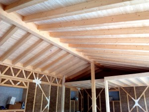 interno casa paglia moduli legno